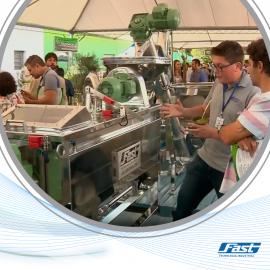 Fast expõe sistema de extração de azeite de oliva em feira de MG
